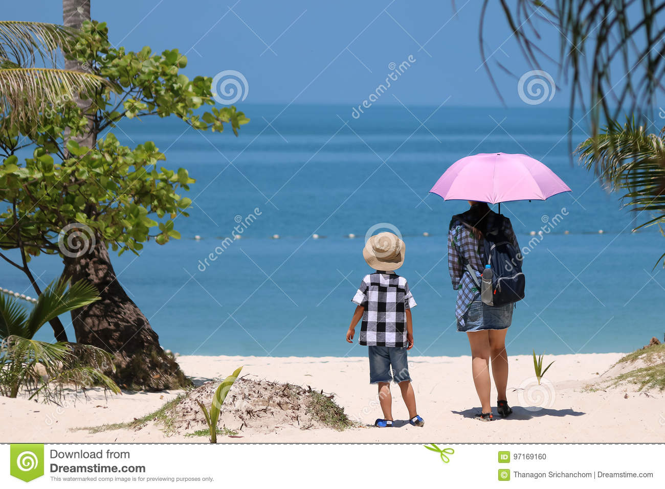 Asian Tourists With Hot Sun On The Beach. Editorial Image ...
