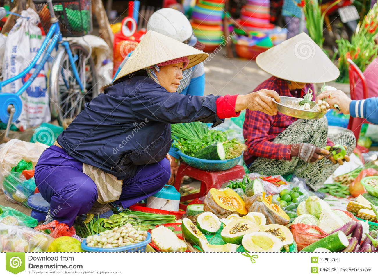 c72652bb2ef Asian Woman In Traditional Vietnamese Hats Selling Fresh Vegetables ...