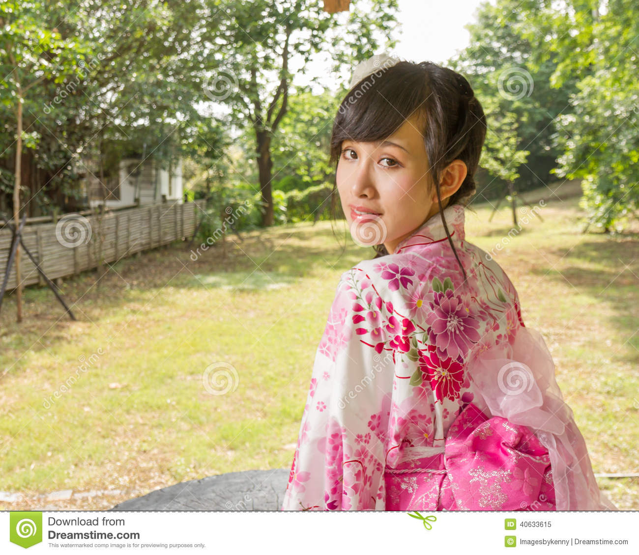 japanese girl wearing kimono - photo #47