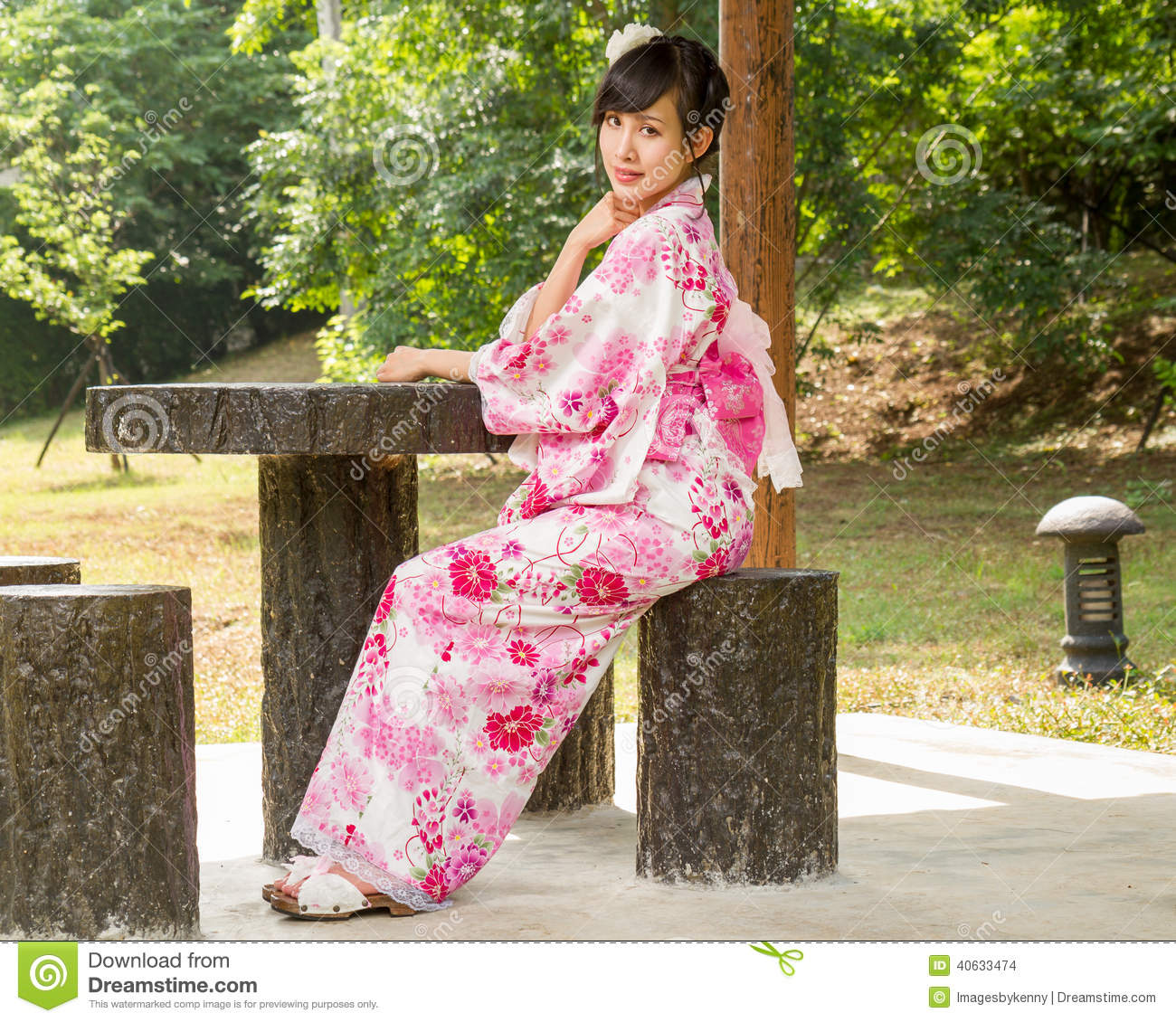 japanese girl wearing kimono - photo #22