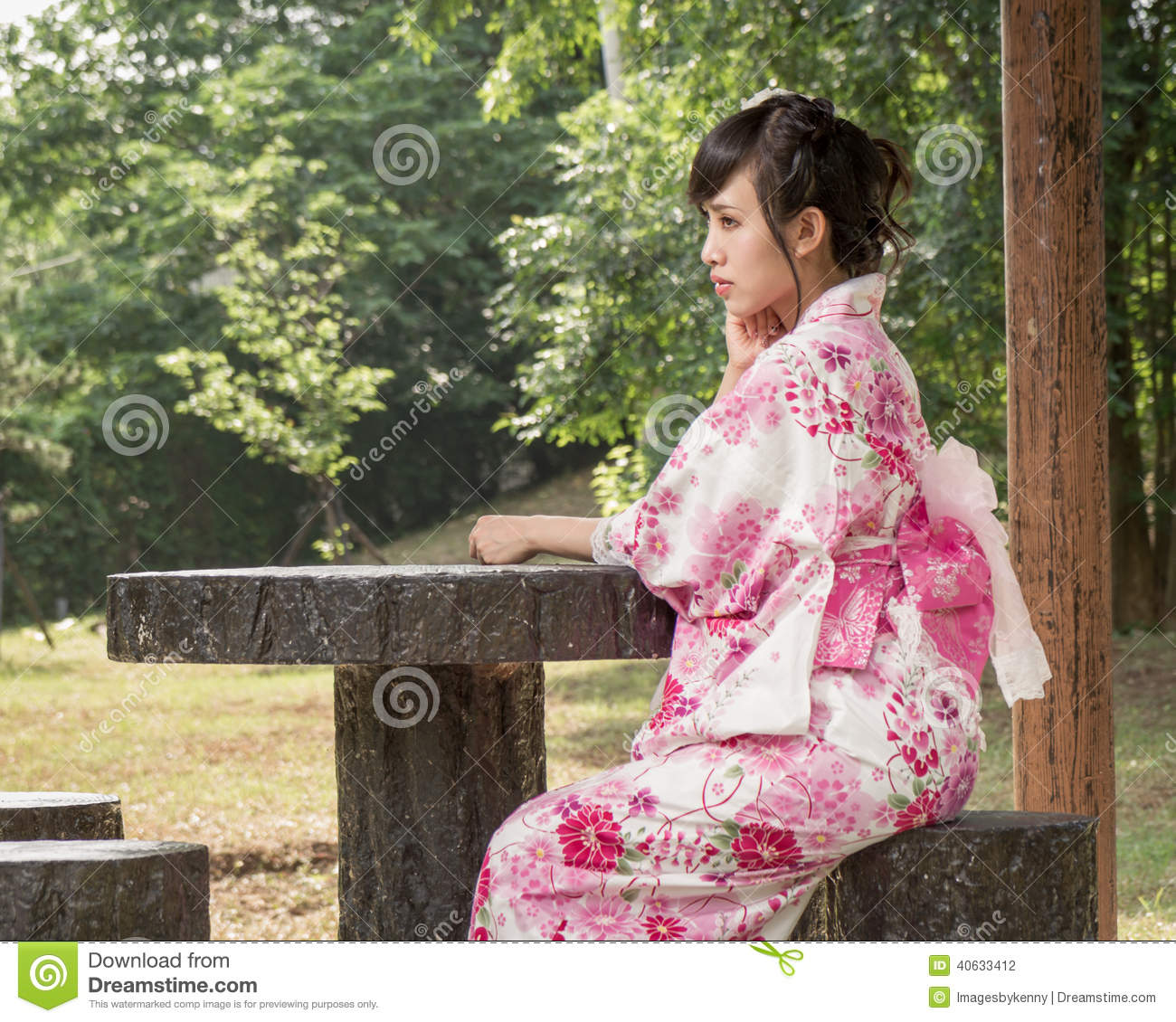 japanese girl wearing kimono - photo #23