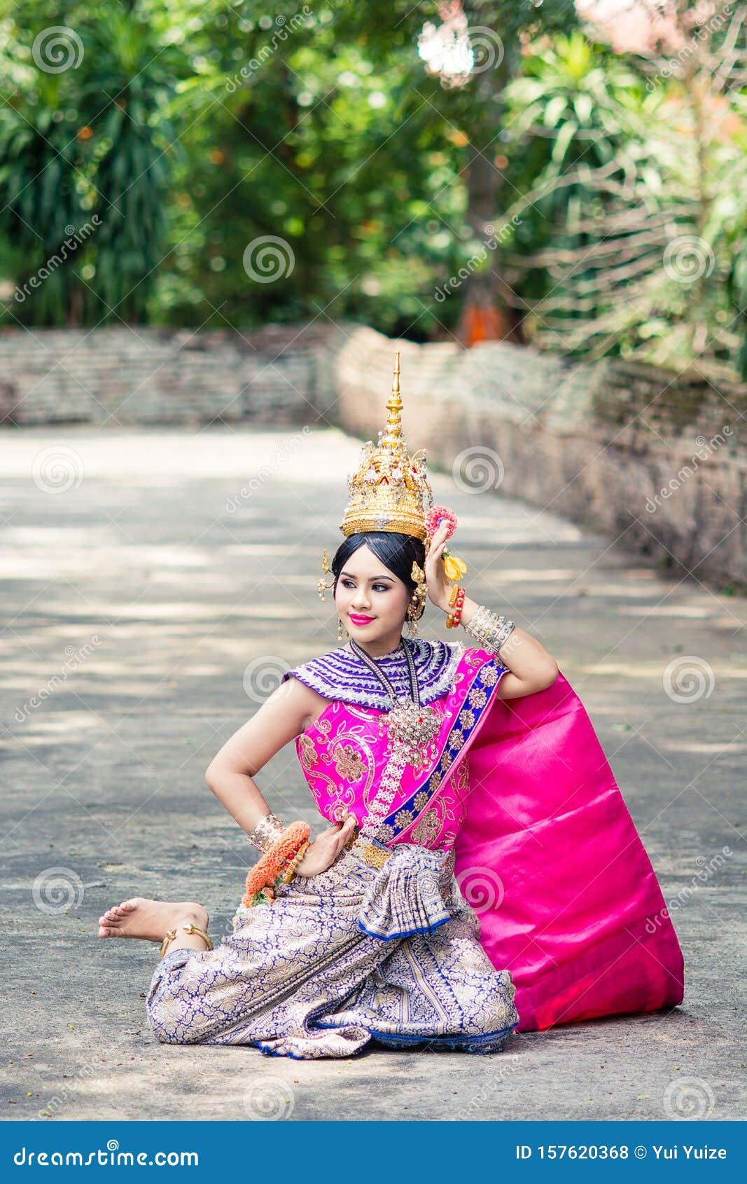 Beautiful Thai Women Wearing Traditional Thai Clothes
