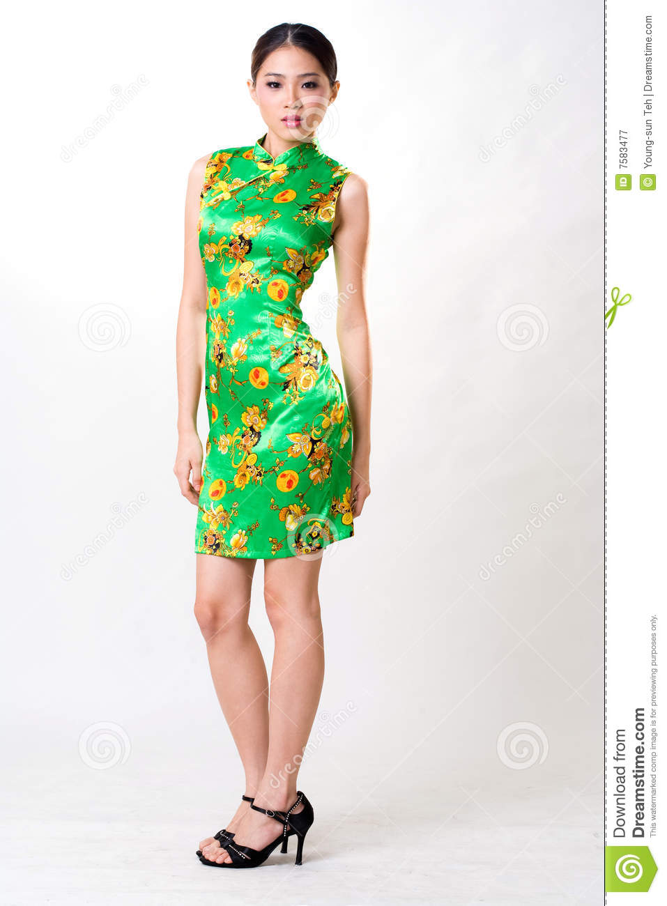 Asian Woman Wears Chinese Traditional Dress Stock Image - Image of ...