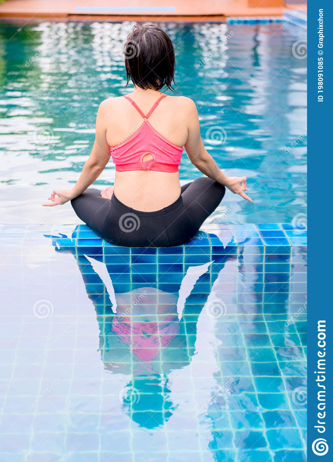Asian Woman Yoga Breathing And Meditation Alone At Swimming Pool At Home Outdoor Exercise And Workout For Healthy Stock Image Image Of Concentration Balance 198091085