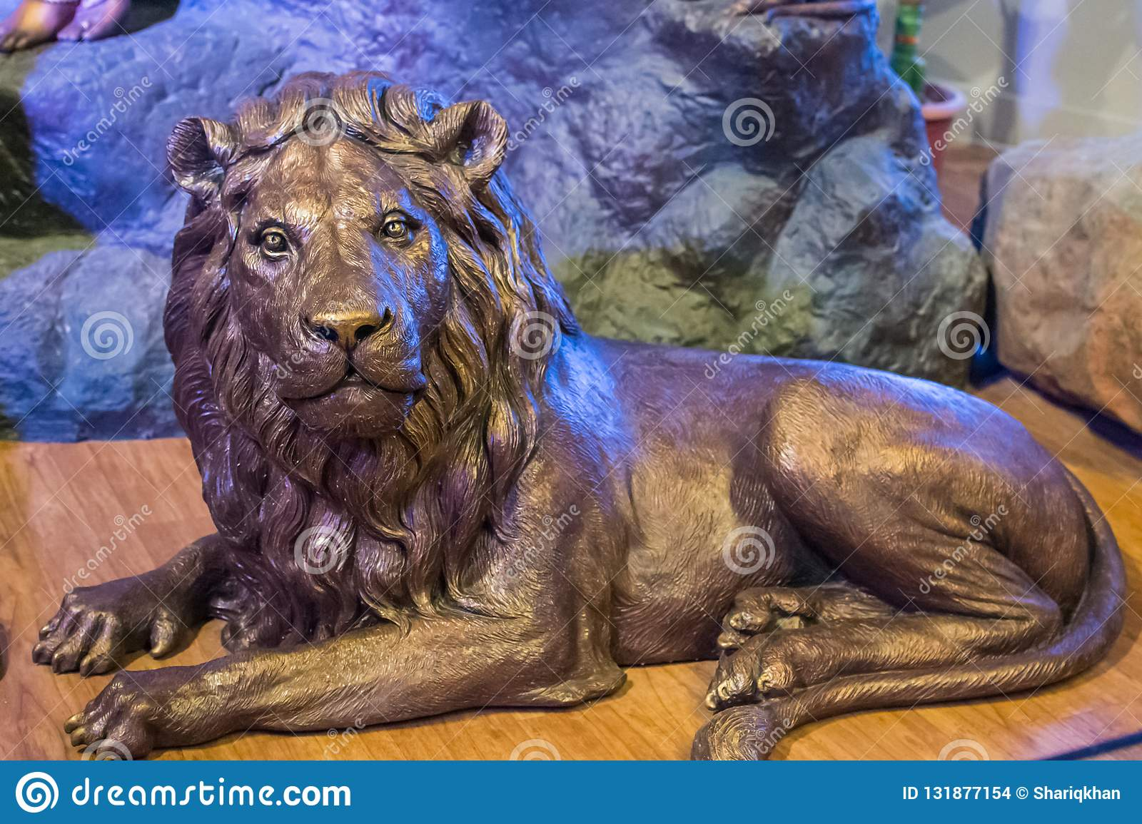 Asiatic Lion Sculpture