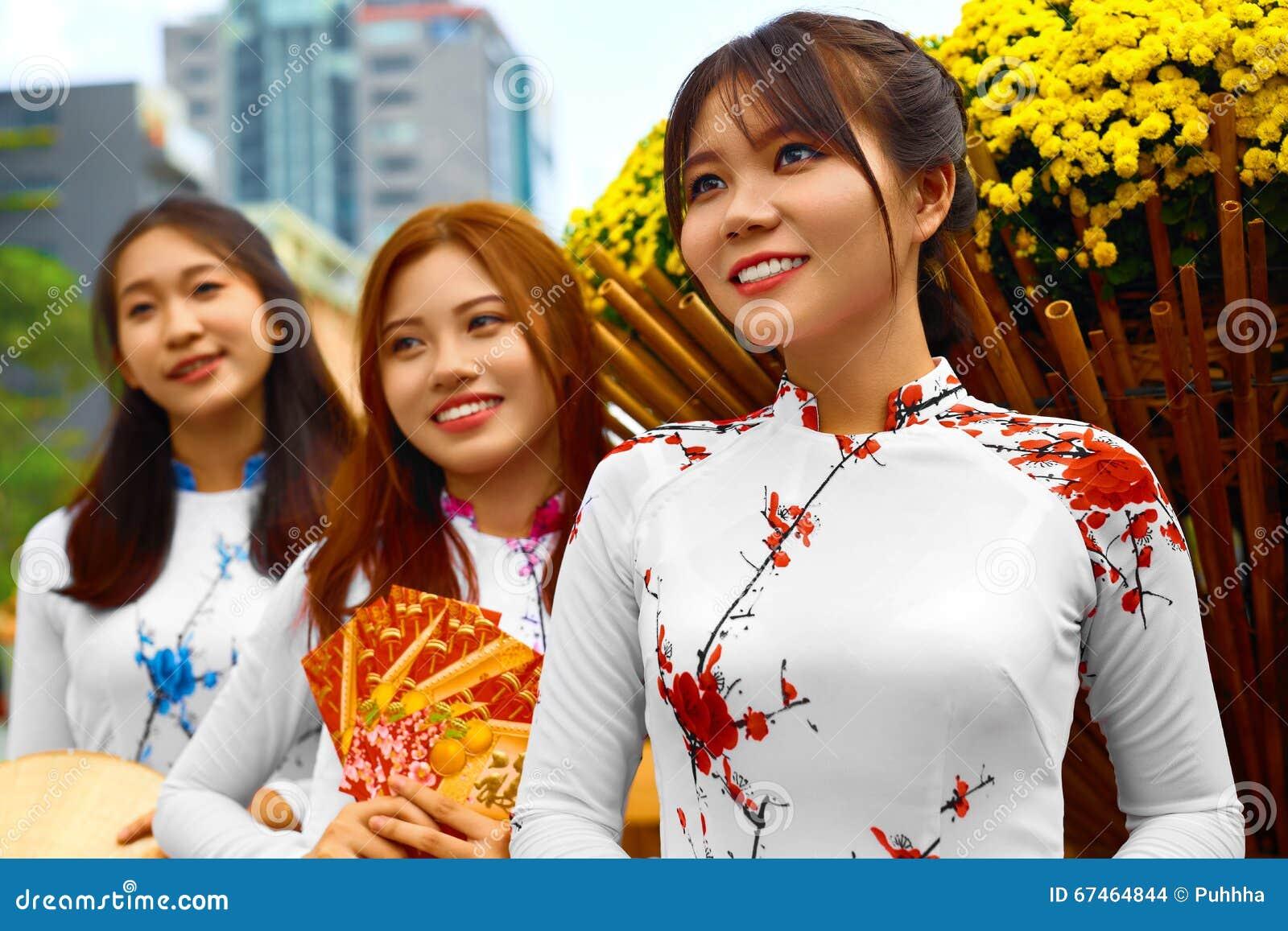 Indien: Frauen in Indien - Asien - Kultur - Planet Wissen
