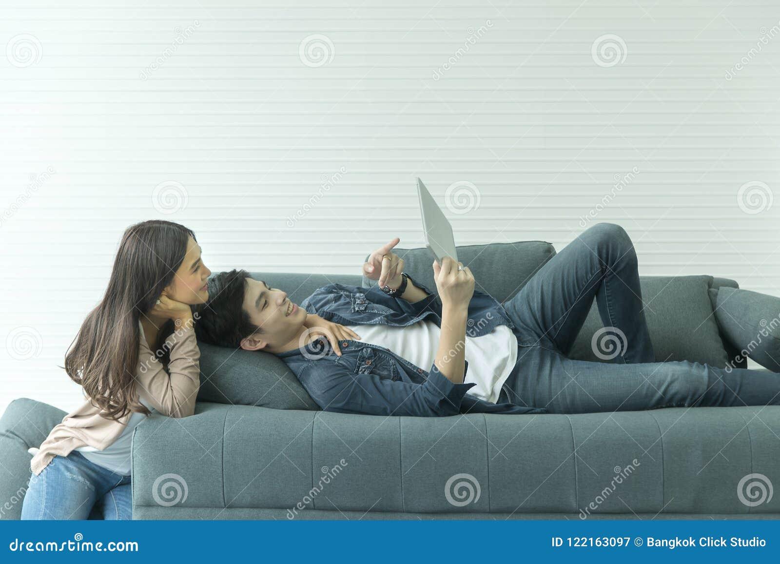 Auf Dem Sofa Durch