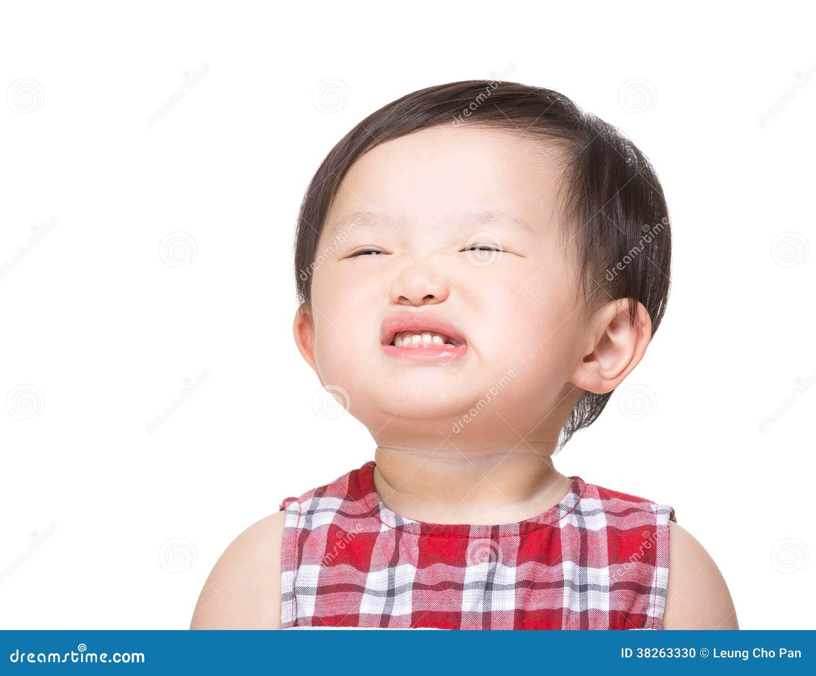 asiatisches baby das lustiges gesicht macht stockfoto bild 38263330. Black Bedroom Furniture Sets. Home Design Ideas