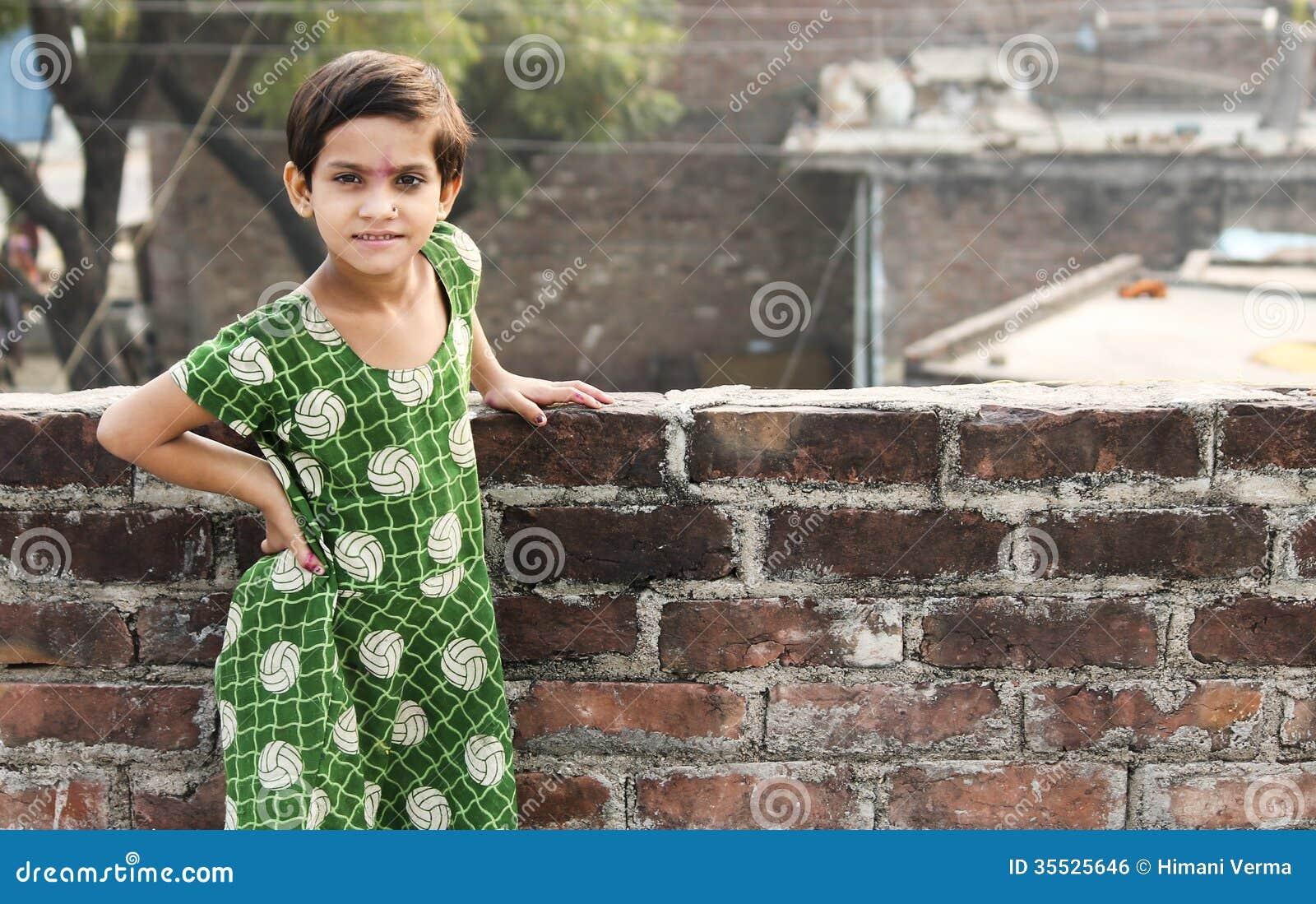 Asiatisches Kinderaktive Haltung