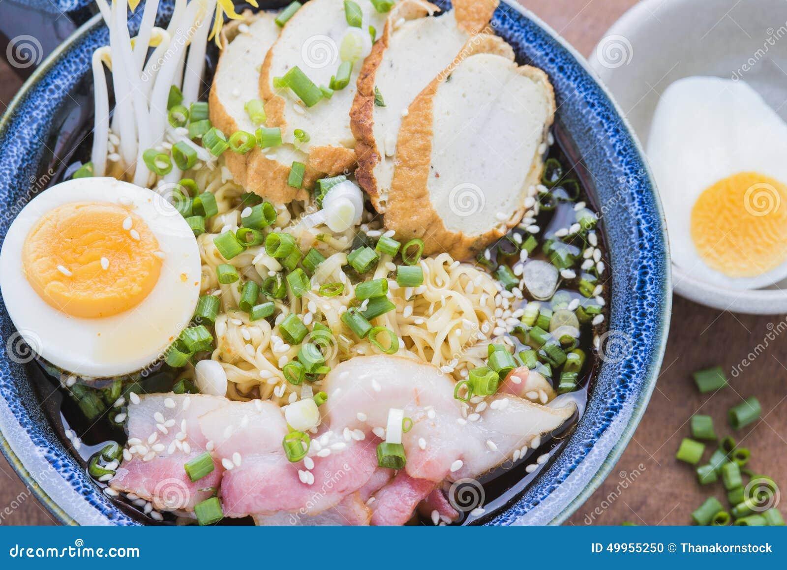 Asiatisches Lebensmittel japanische Ramennudel