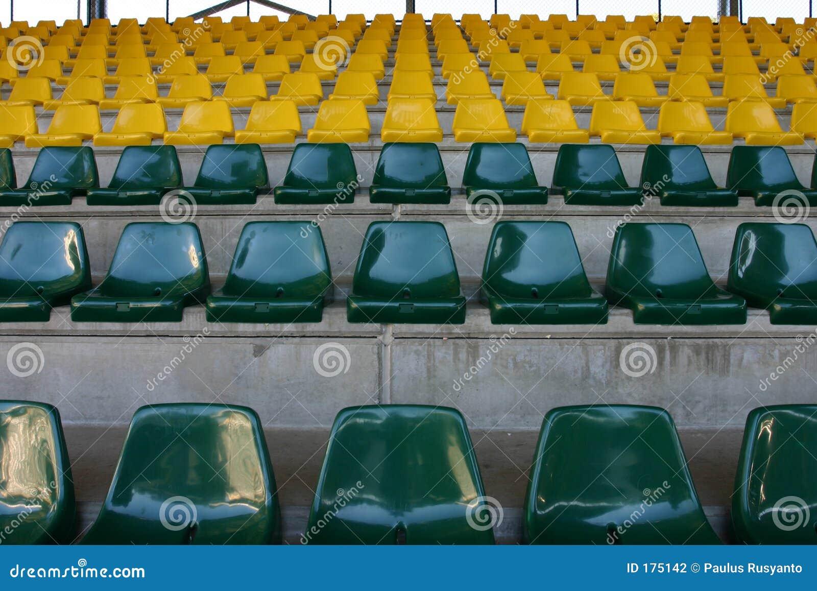 Asientos vacíos del estadio