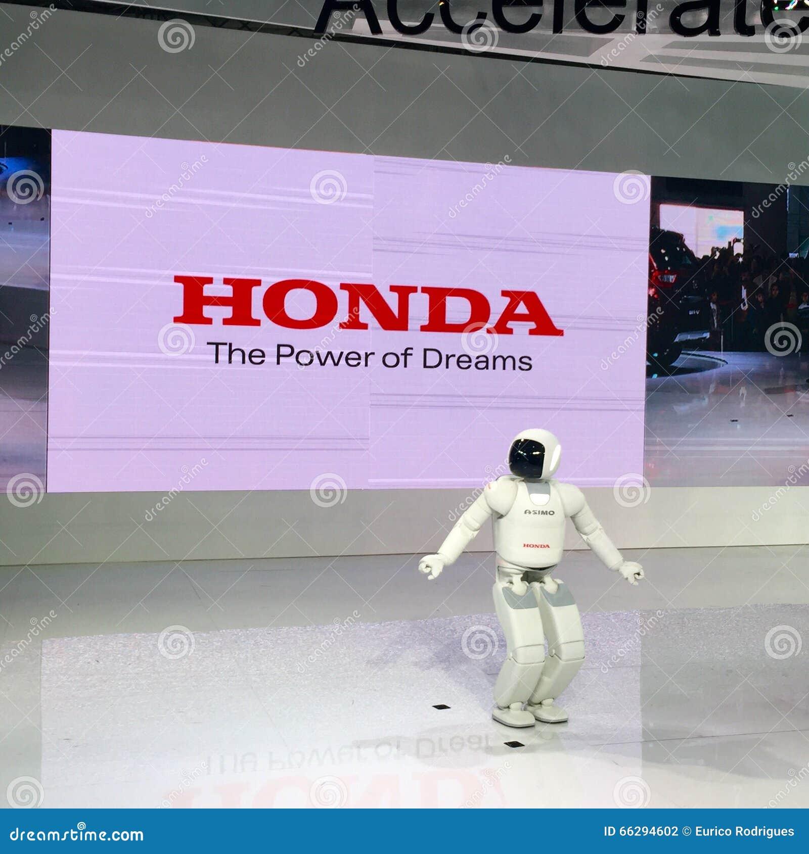 ASIMO Robot at Auto Expo 2016, Noida, India.