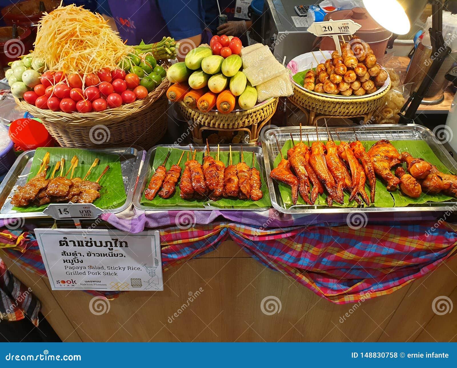 Asortowani warzywa i mięso stojak