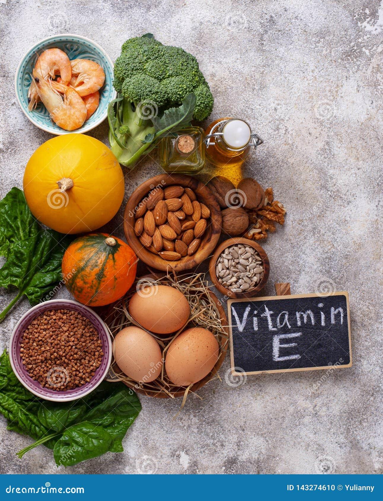 Asortymentów karmowi źródła witamina E