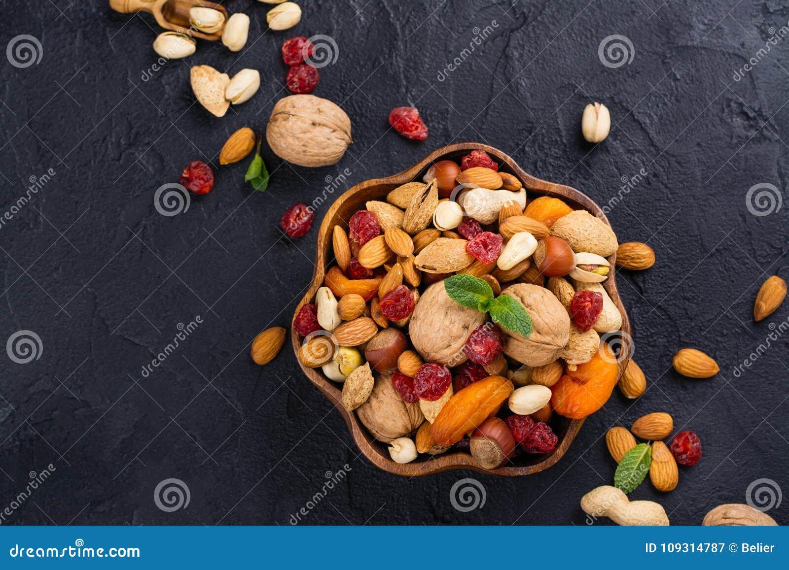Asortyment suche owoc i dokrętki