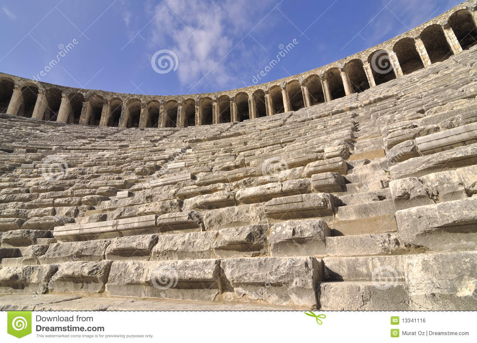 Aspendos wśrodku theatre