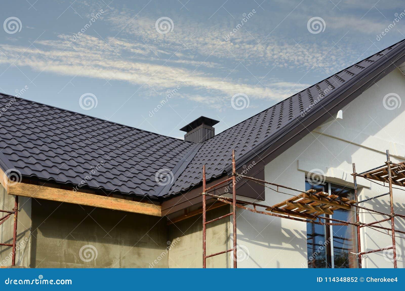 Asphaltieren Sie Dachkonstruktion Mit Koaxialkaminrohr Heizsystem