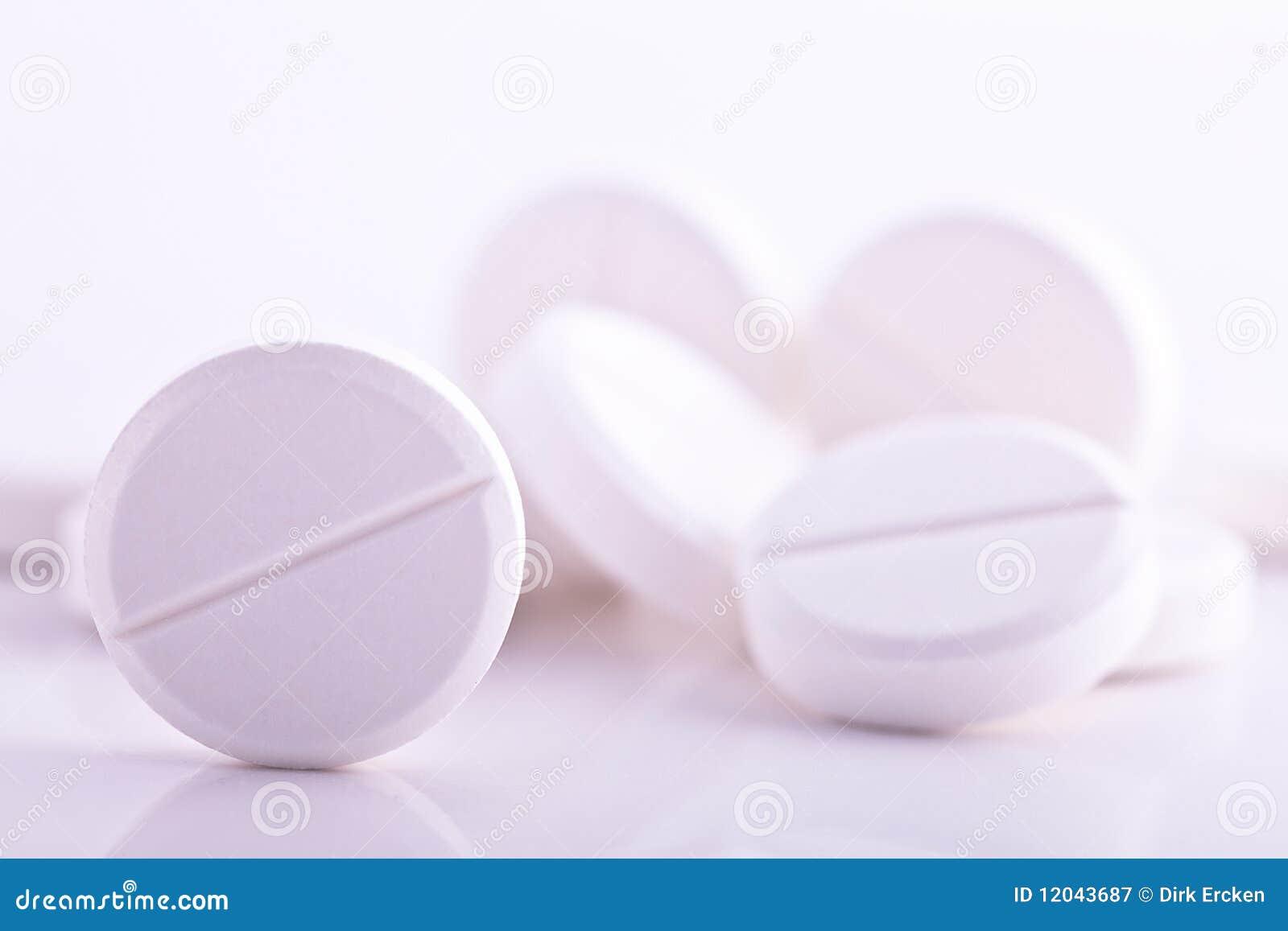 Aspiryny migreny medycyny paracetamol pigułki biały