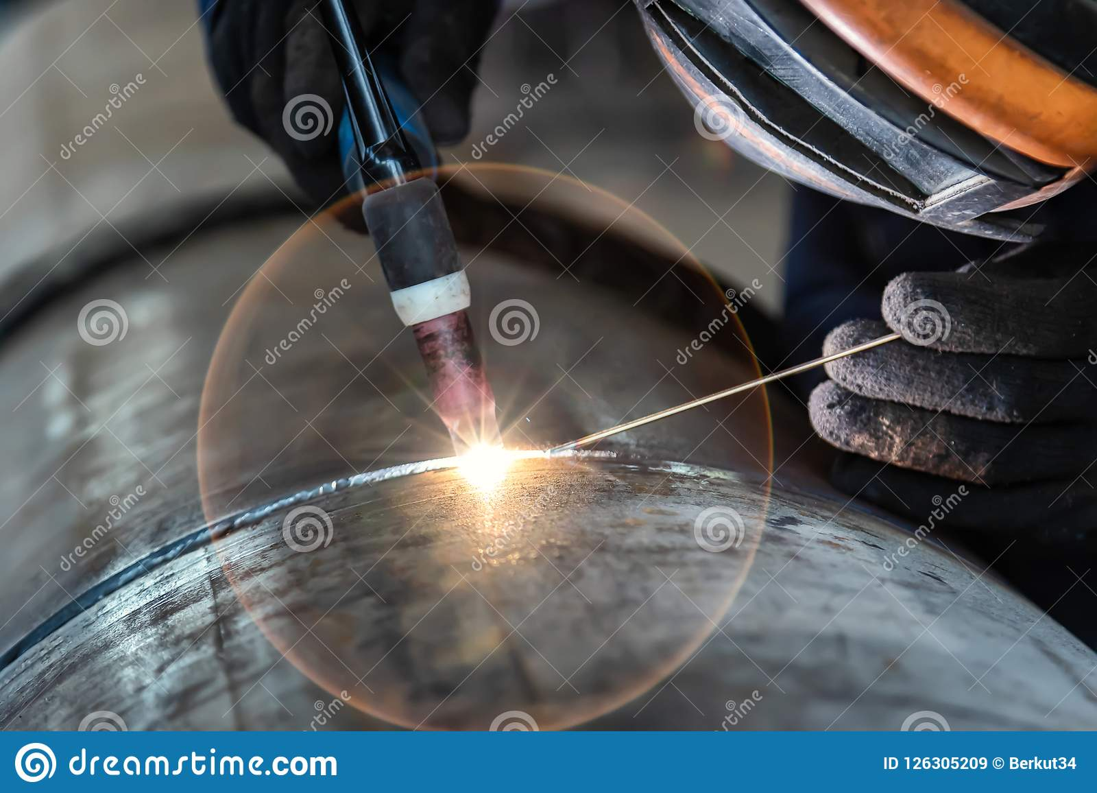 Welder Arc Welding And Weld Seam Close Up Stock Image Image Of Pipeline Torch 126305209