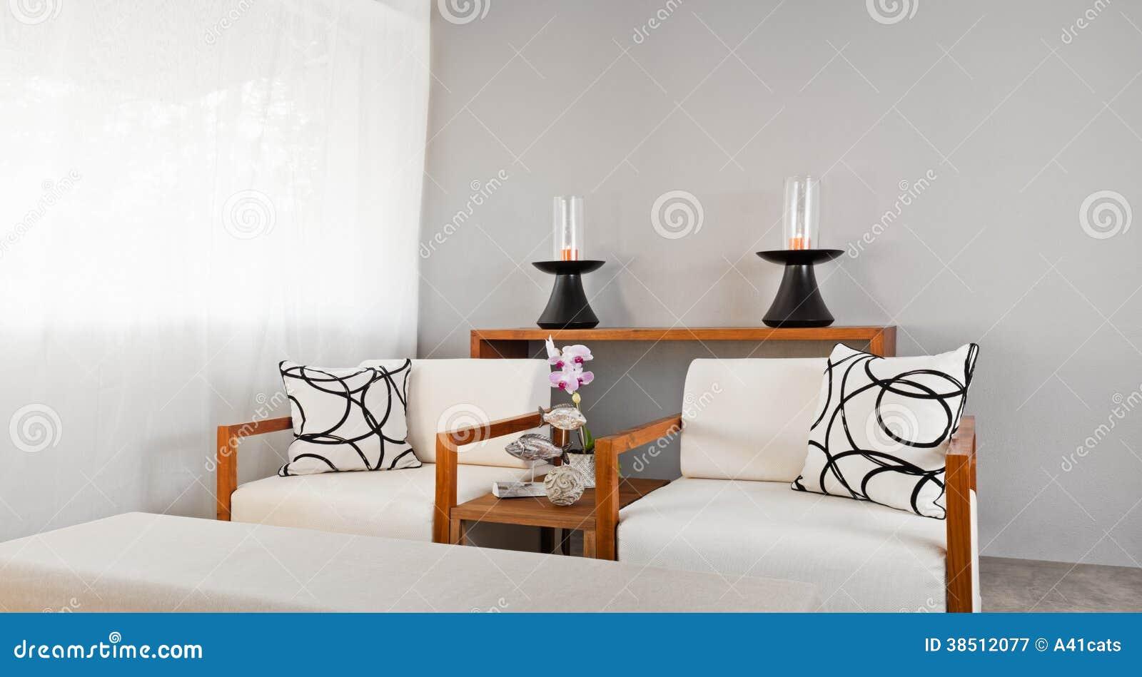 Assento De Madeira Branco Brilhante Do Sofá Fotografia de Stock  #7C401B 1300x788