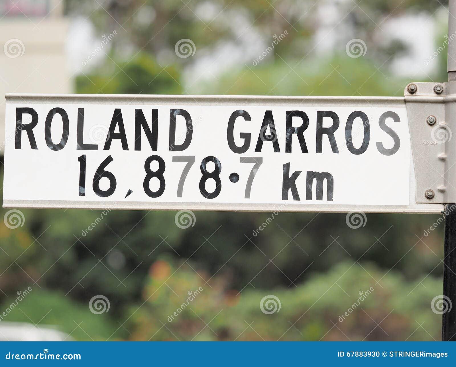 Assine a indicação da distância do sinal a Roland Garros em Paris
