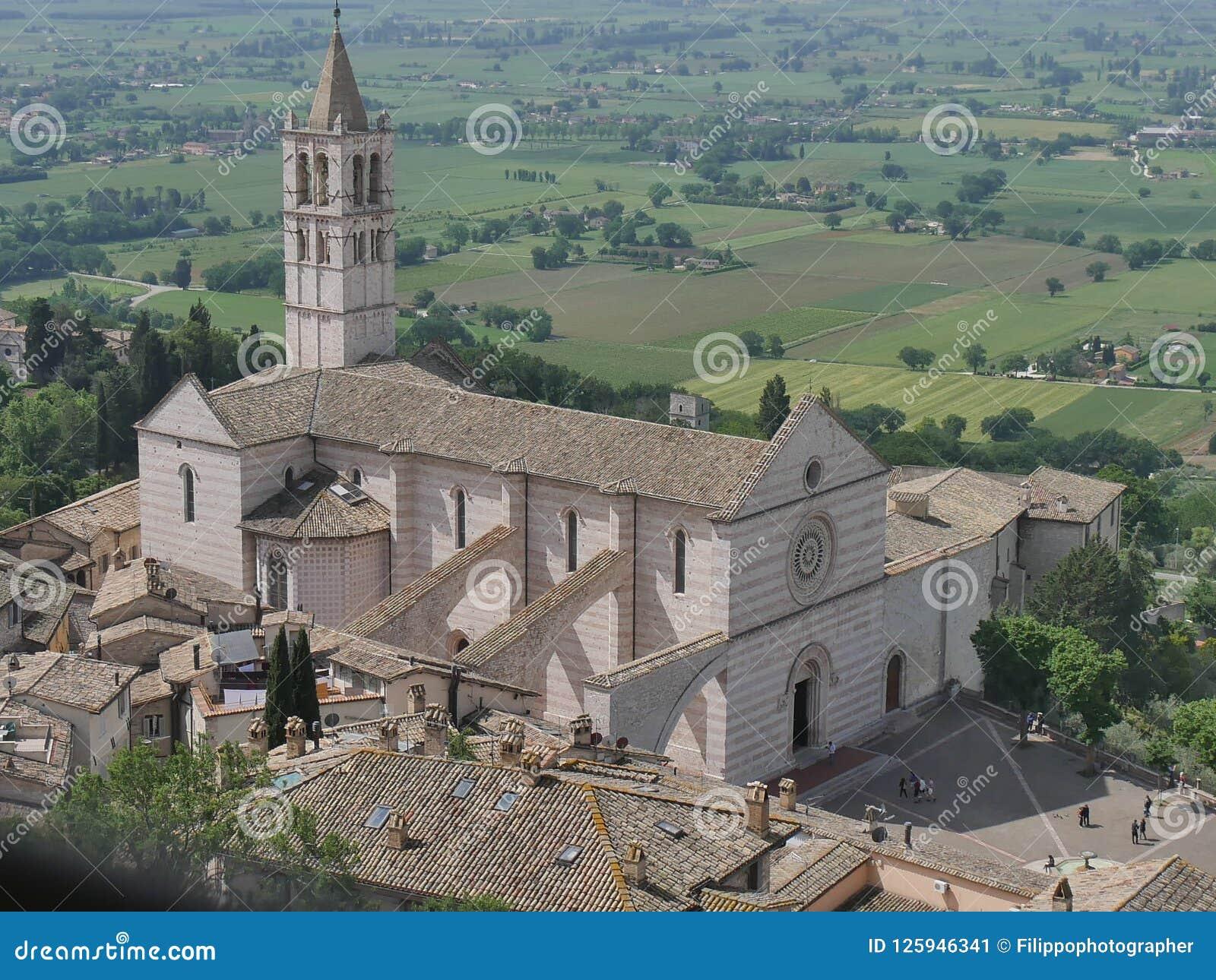 Assisi - kyrka för St Chiara