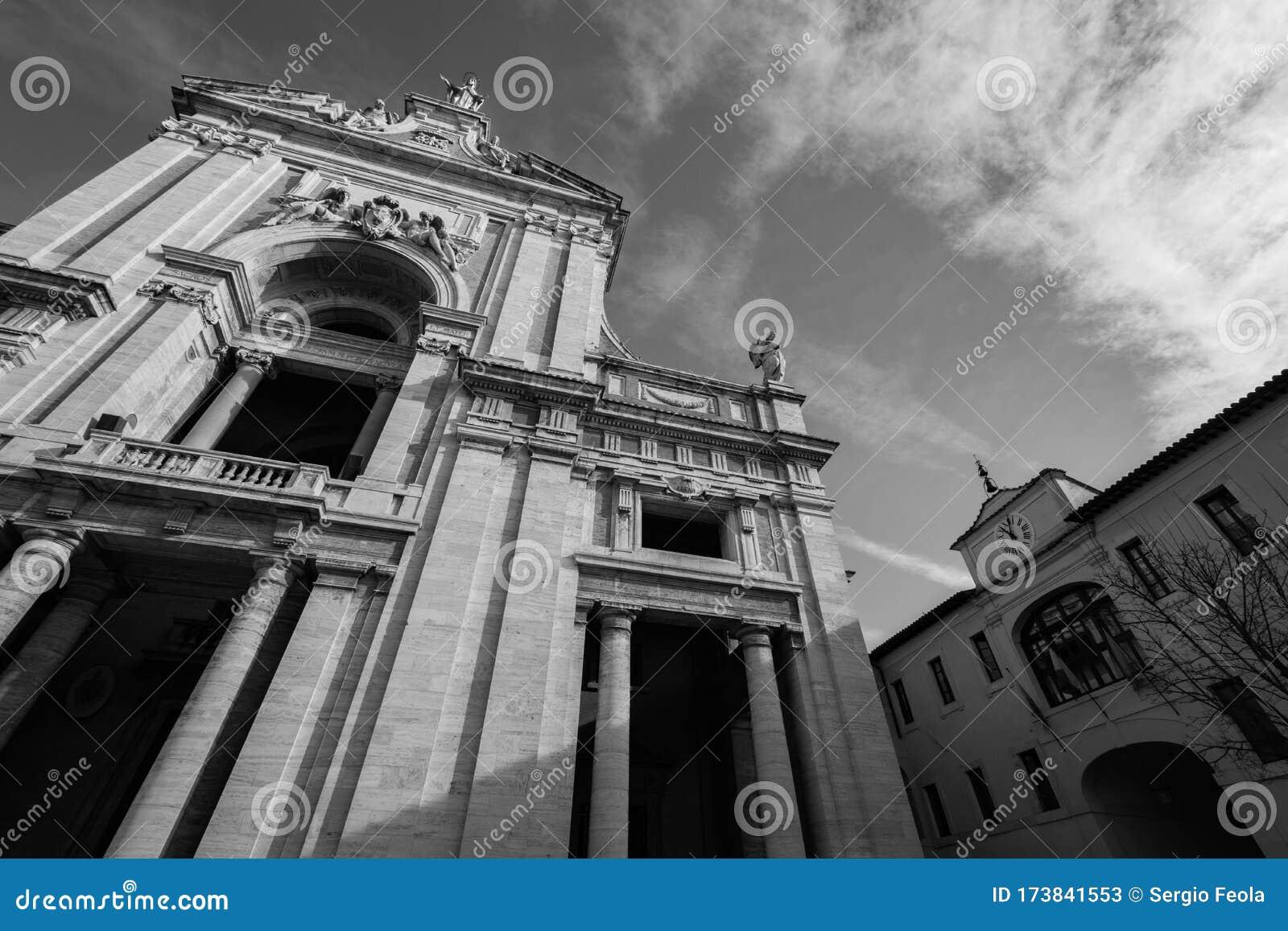 Assisi, Umbria, Perugia, Latin Cross Basilica Of Santa ...