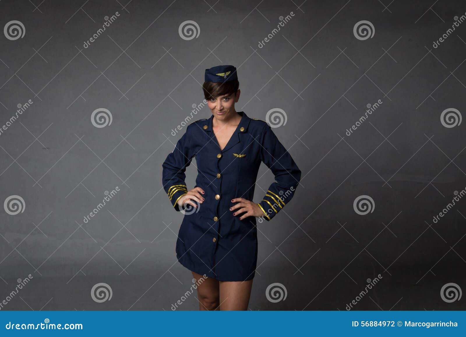 Assistente di volo sexy che alletta