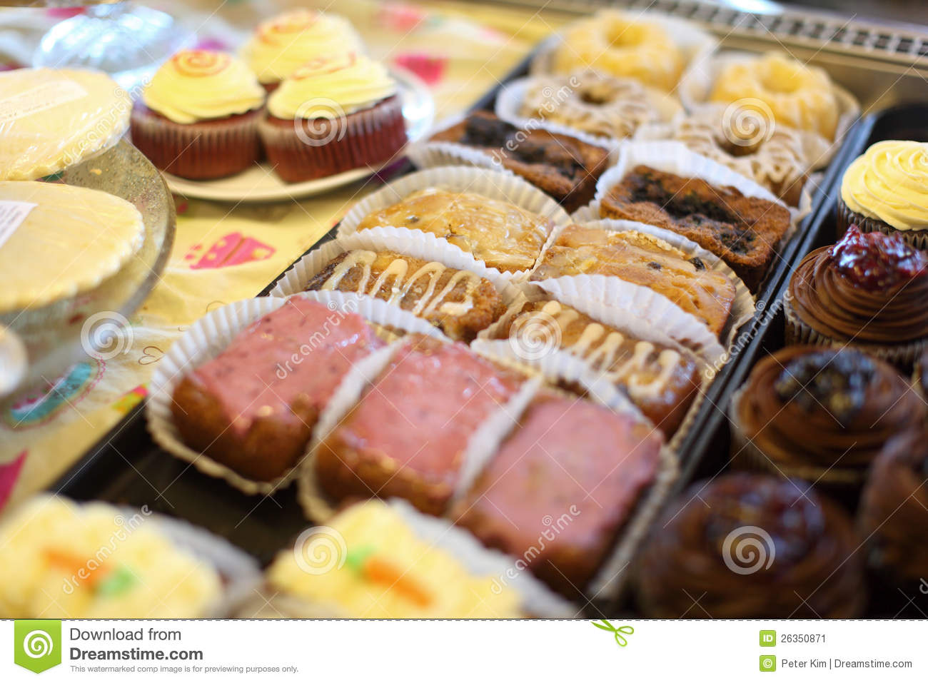 Assorted mini cakes and cupcakes