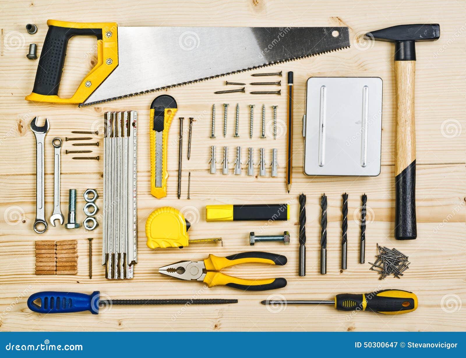 Assorted woodwork and carpentry or construction tools - Que faire avec des palettes ...