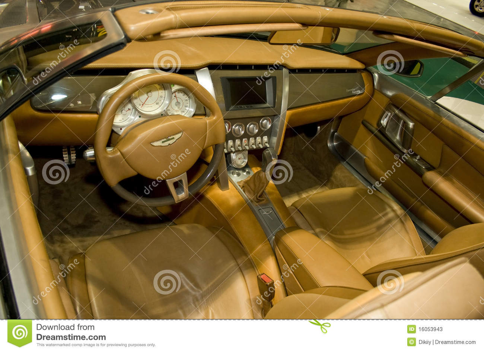 Aston внутри martin