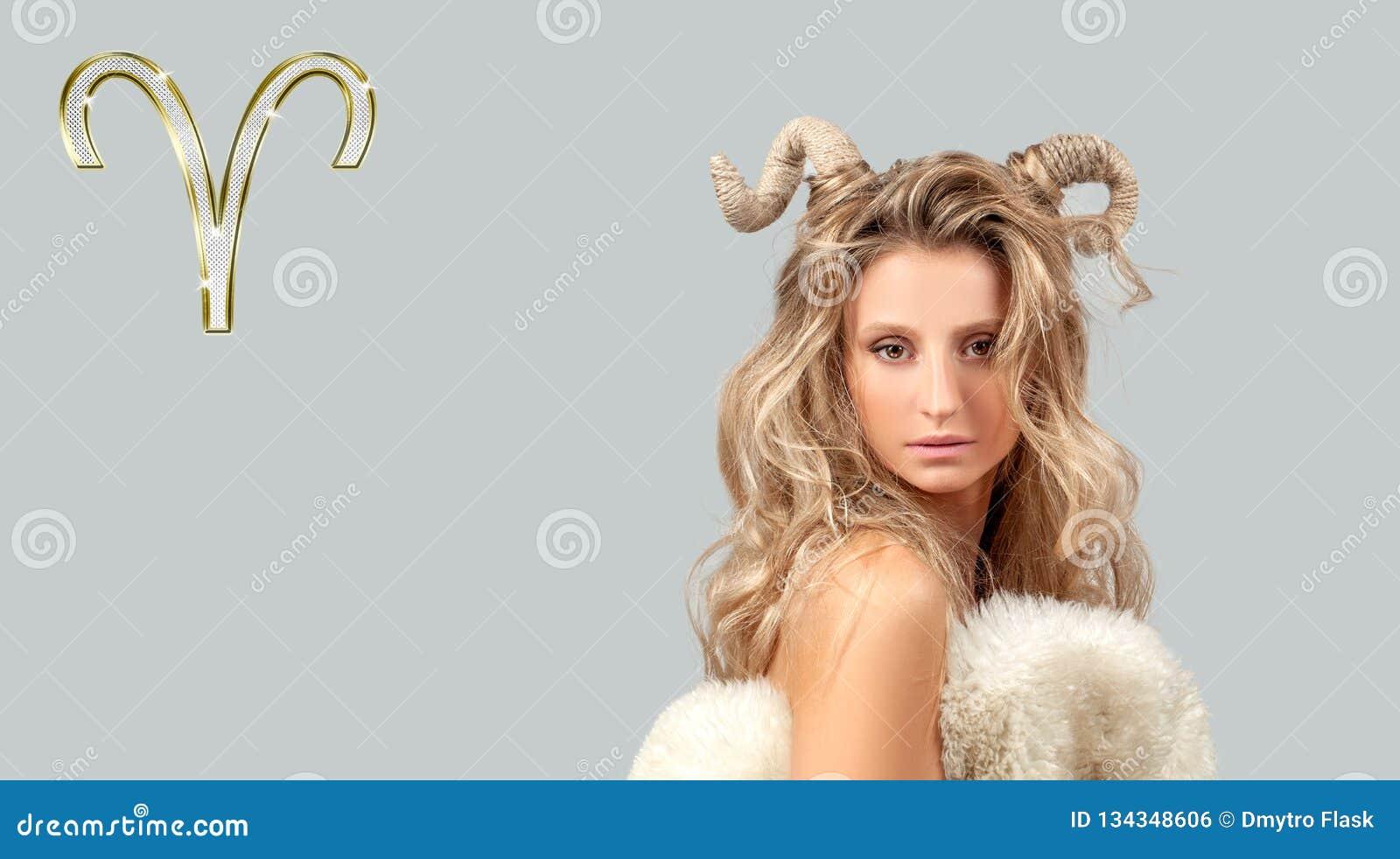 Astrología y horóscopo Aries Zodiac Sign, mujer hermosa con los cuernos