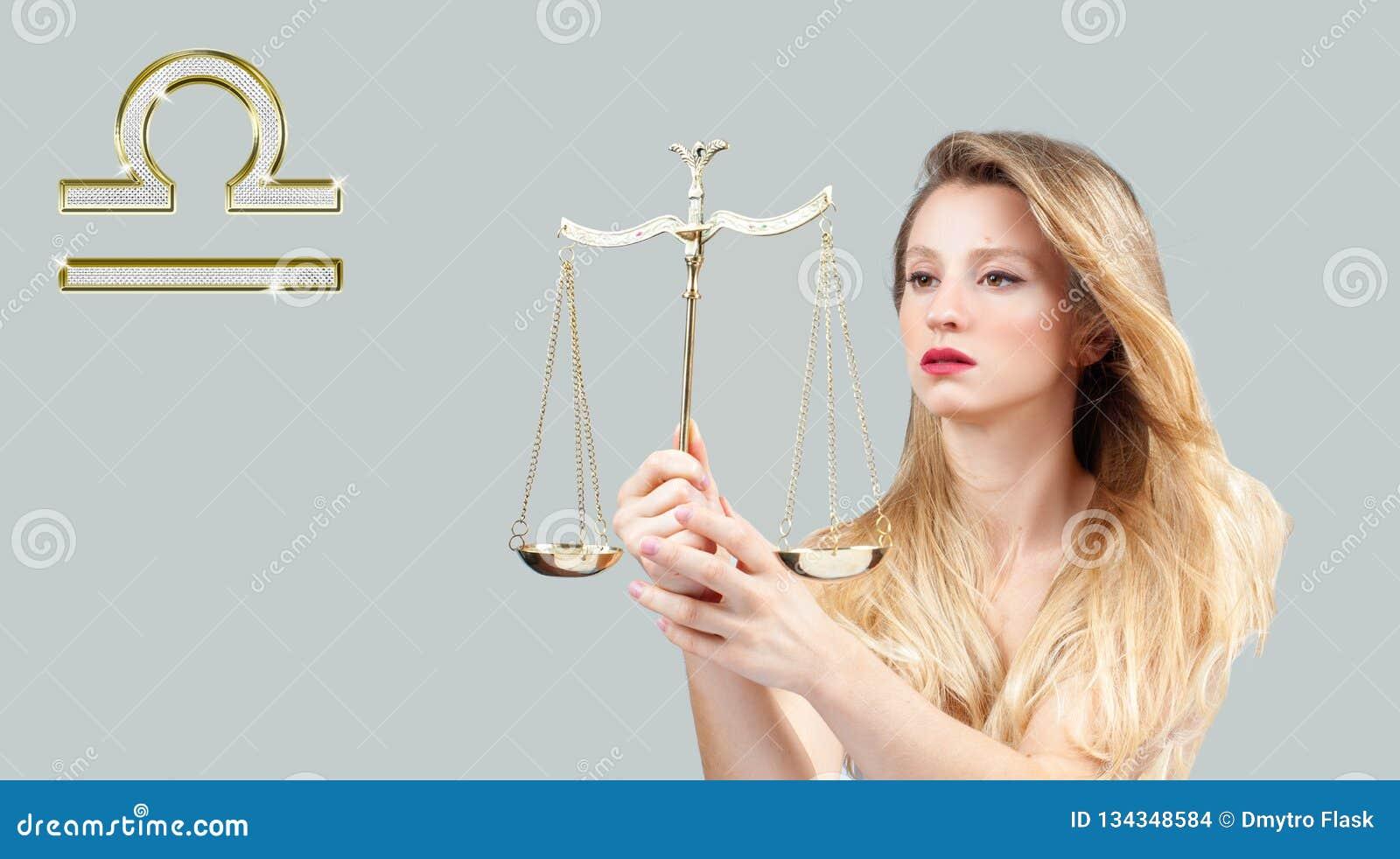 Astrología y horóscopo, muestra del zodiaco del libra Mujer hermosa con el pelo largo