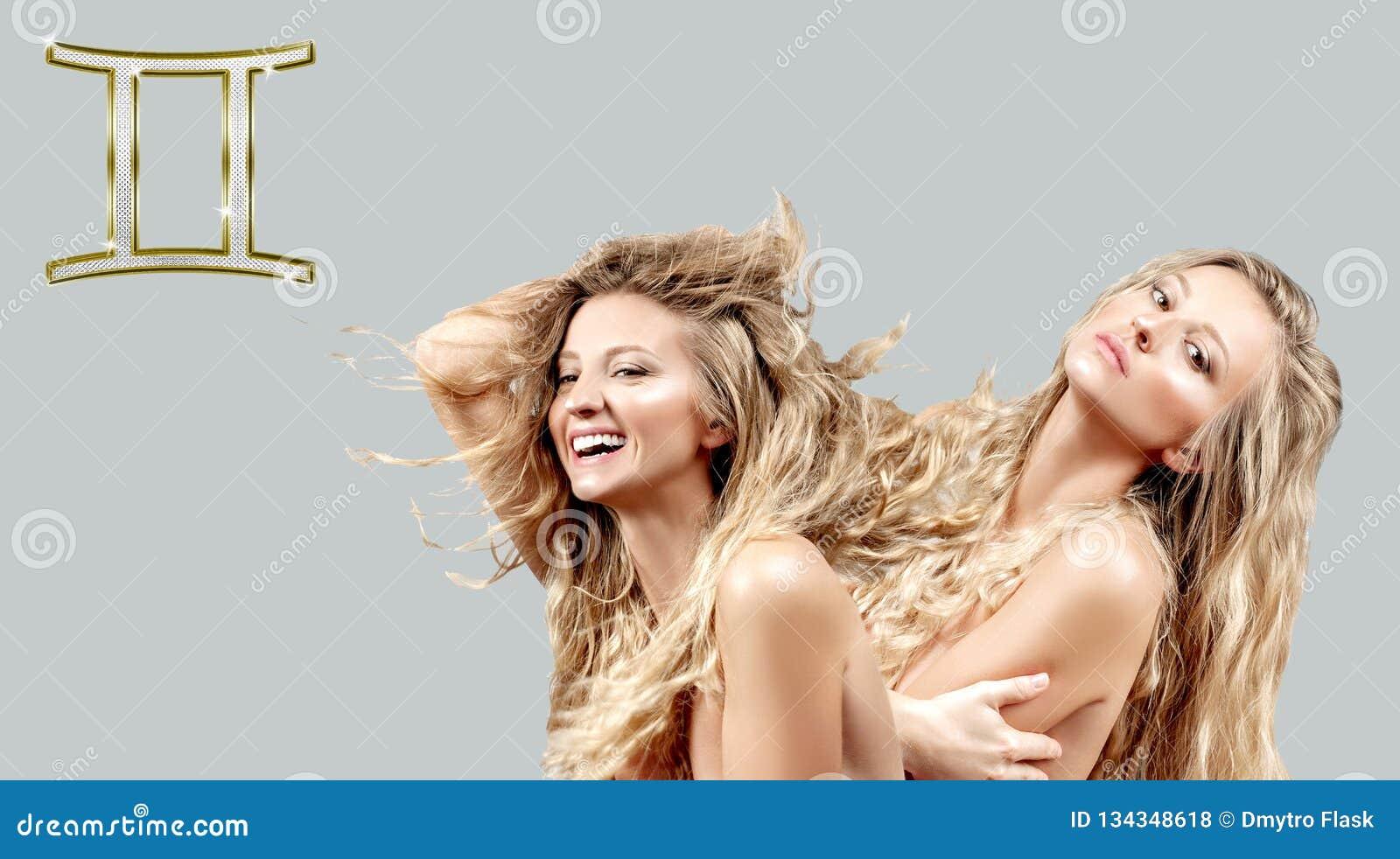 Astrologia i horoskop Gemini zodiaka znak, dwa pięknej kobiety z kędzierzawy długie włosy