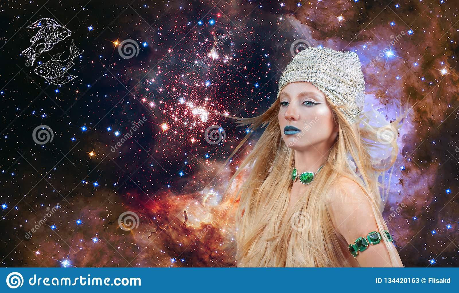 Astrologie et horoscope, signe de zodiaque de Poissons Belle femme Poissons sur le fond de galaxie