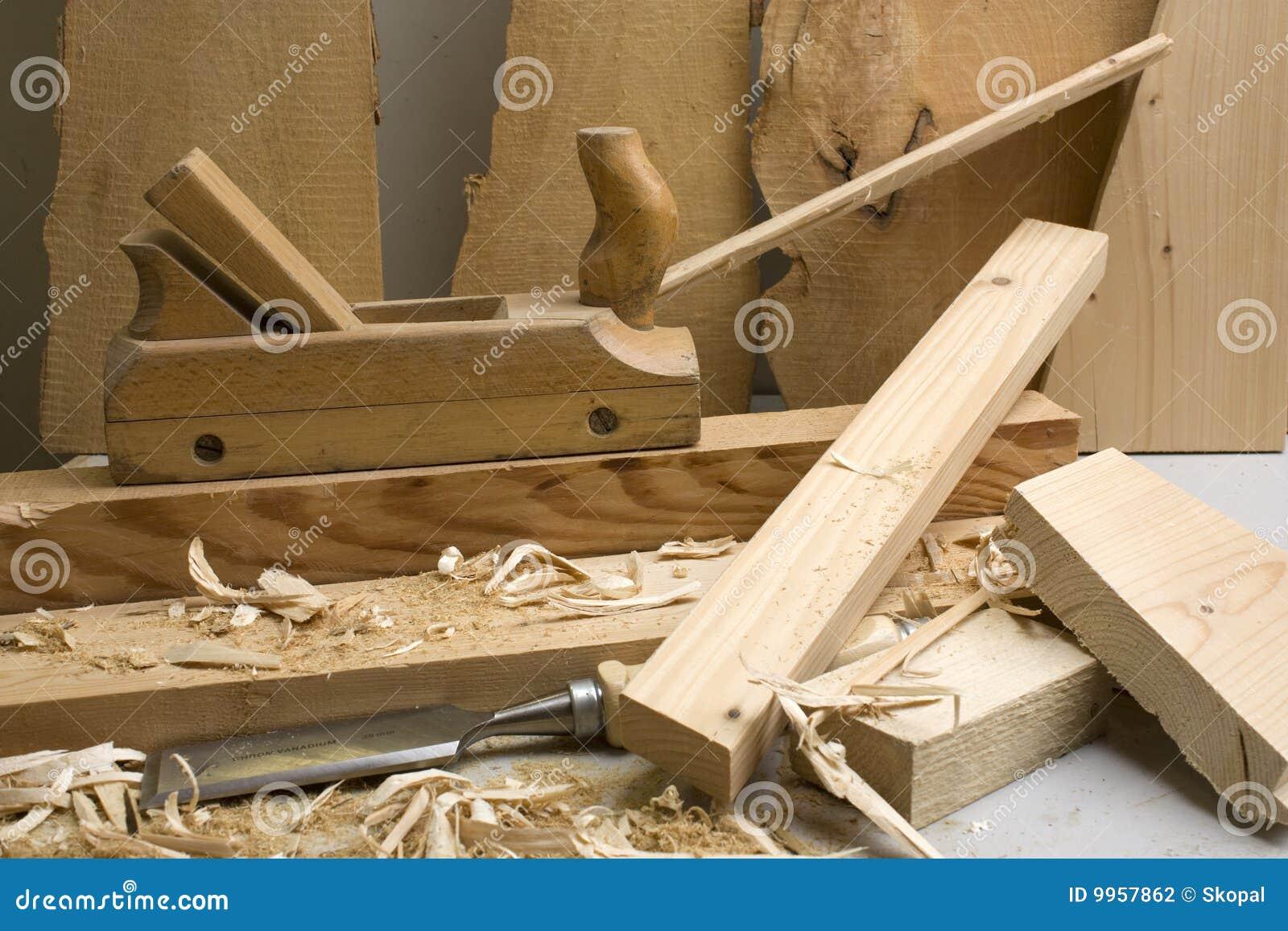 atelier de menuiserie avec les outils en bois photo stock. Black Bedroom Furniture Sets. Home Design Ideas