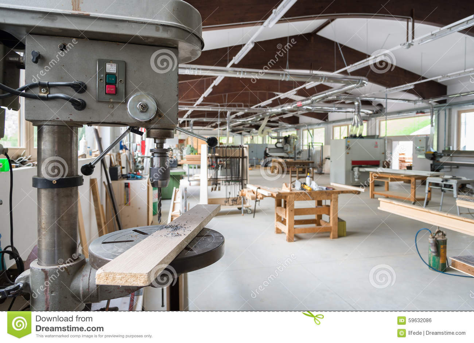 Atelier De Menuiserie Ou De Menuiserie Photo stock Image 59632086 # Atelier De Menuiserie Bois