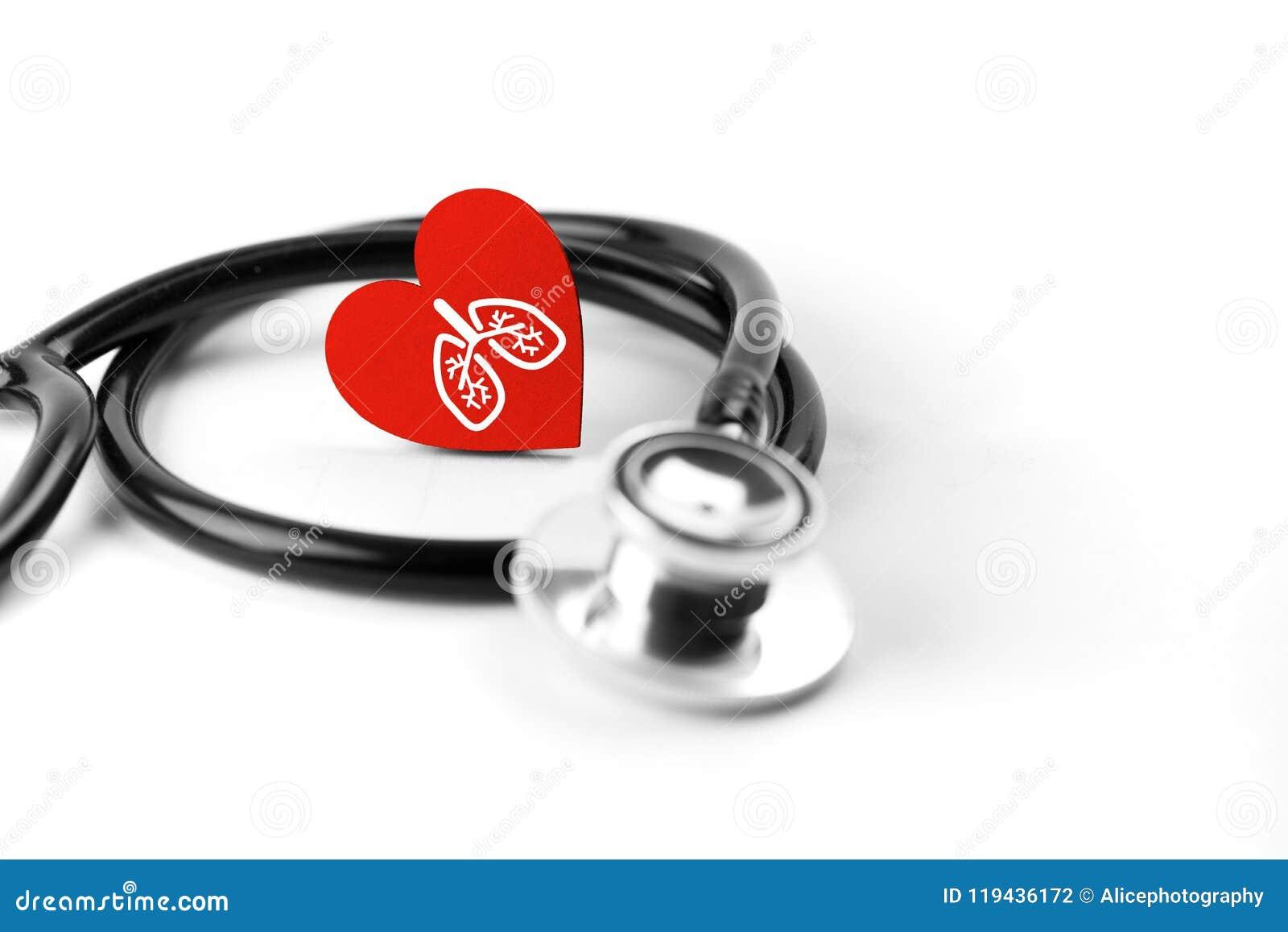 Atención sanitaria y concepto médico, cierre para arriba del estetoscopio