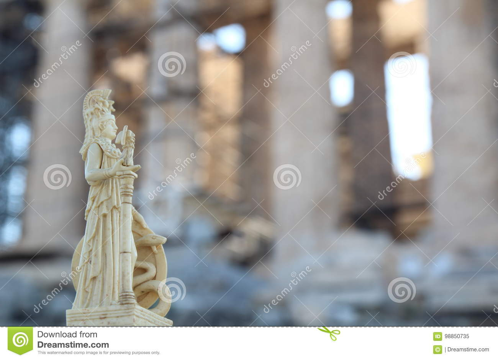 Athena delante del Parthenon