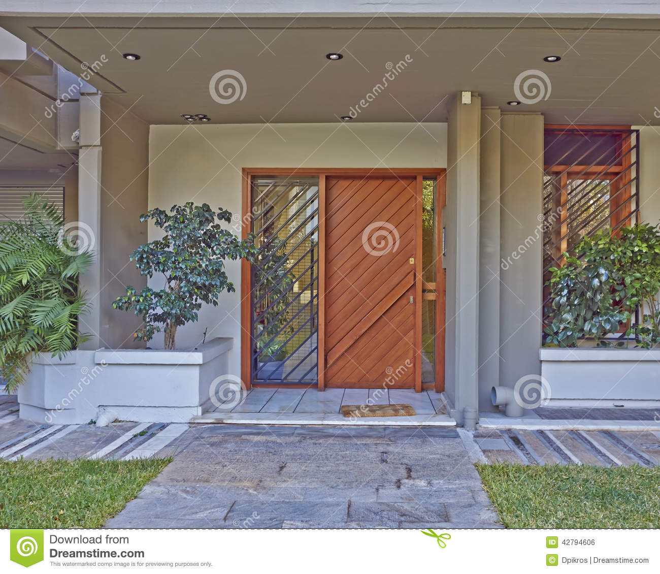 Athens greece house entrance stock photo image 42794606 for Solid wood door construction