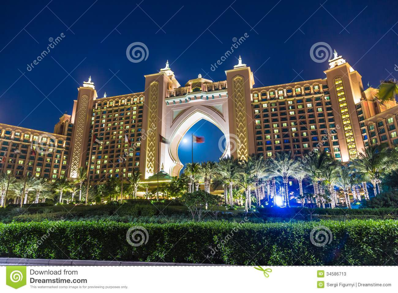 Atlantis the palm hotel in dubai united arab emirates for Top five star hotels in dubai