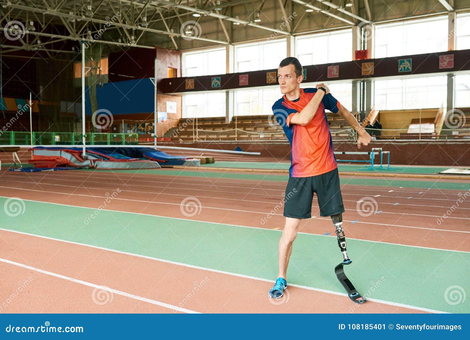 Atleta adaptável Ready para treinar
