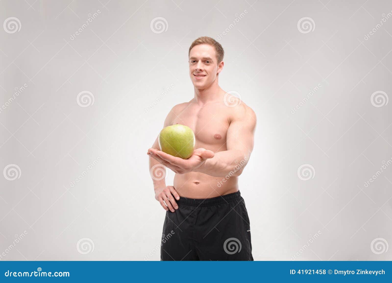 Atleta con una manzana