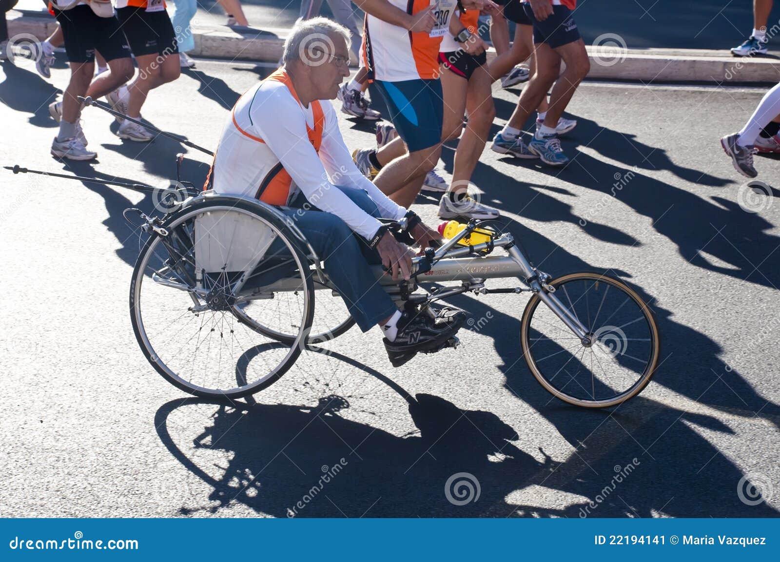 Sedie A Rotelle Roma : Atleti invalidi in sedie a rotelle fotografia editoriale immagine