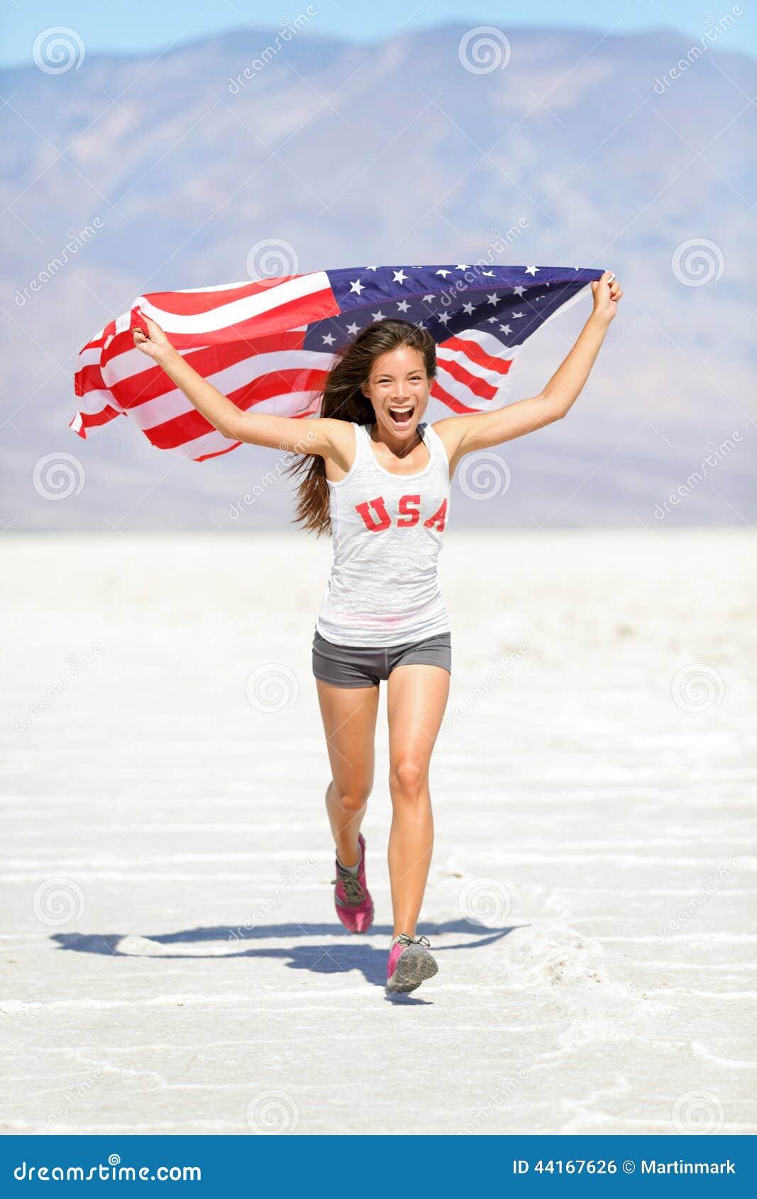 Atlety kobieta z flaga amerykańska bieg