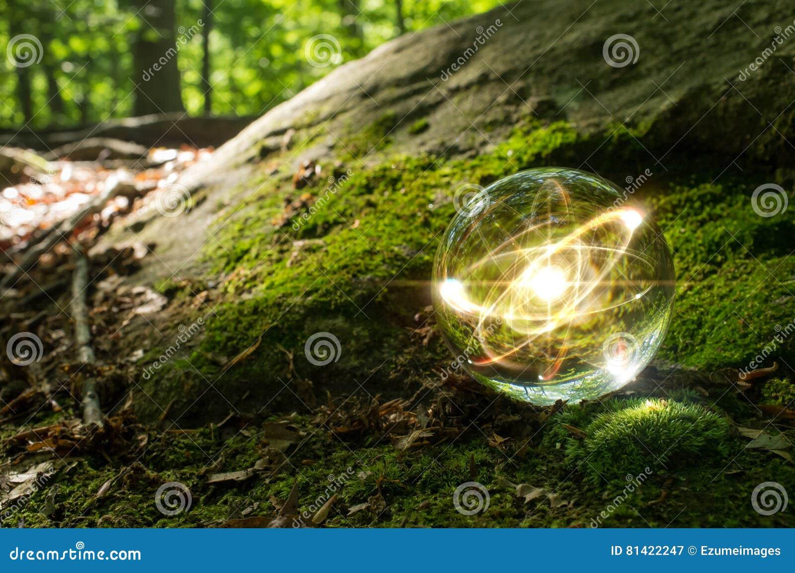Atom kryształowej kuli natura