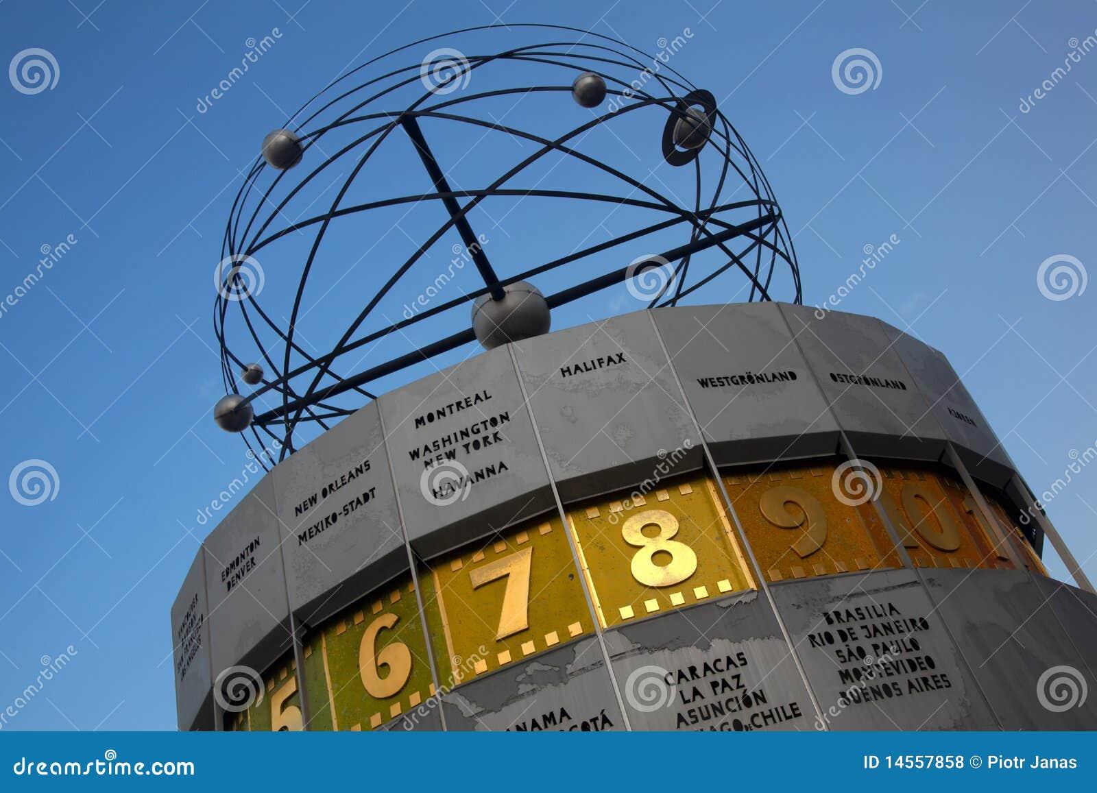 Atomic clock, Alexanderplatz, Berlin