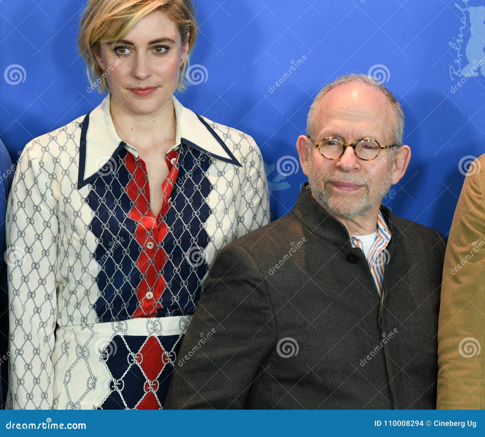 Atores Bob Balaban e Greta Gerwig em Berlinale 2018