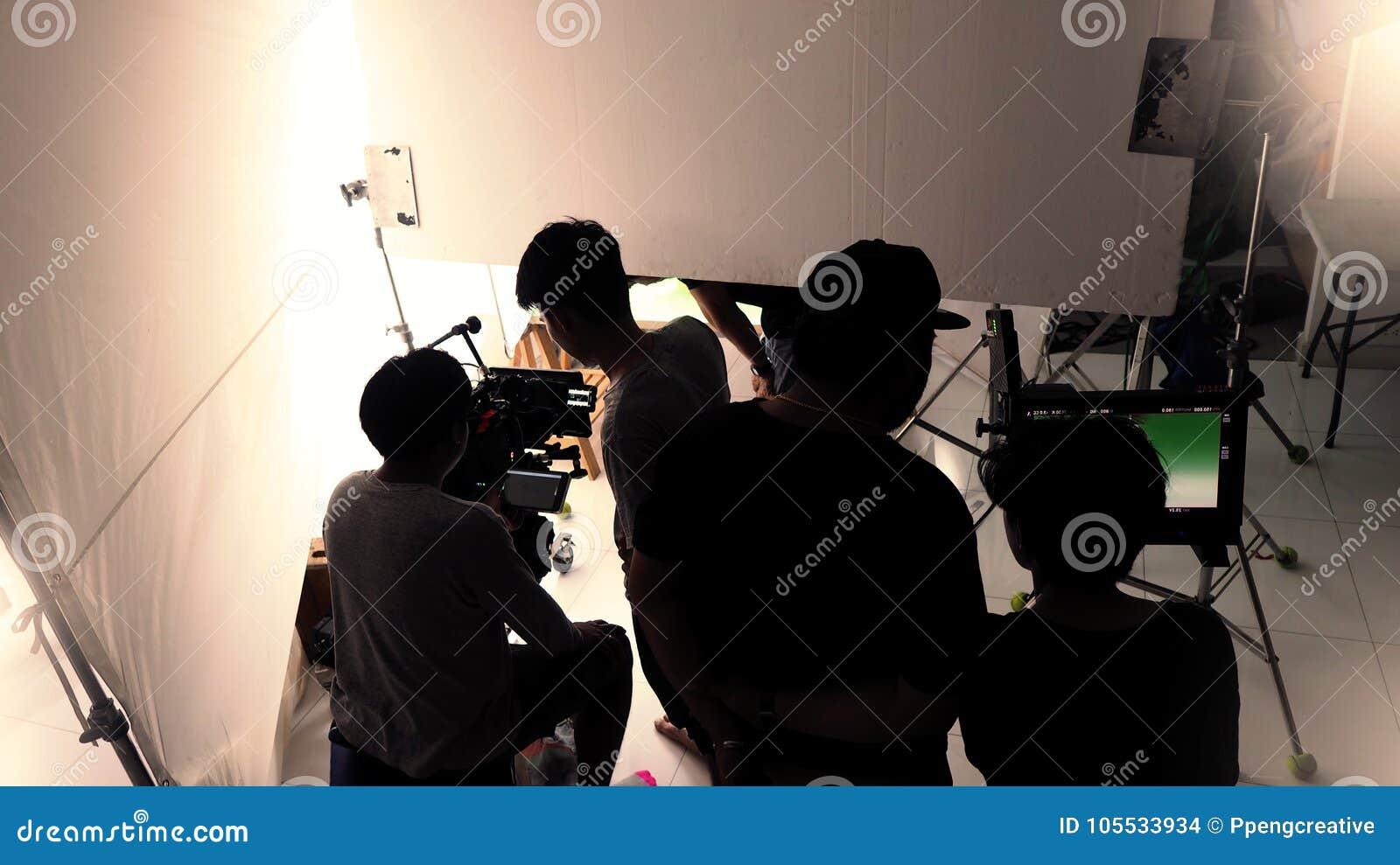 Atrás das cenas do vídeo do tiro no estúdio