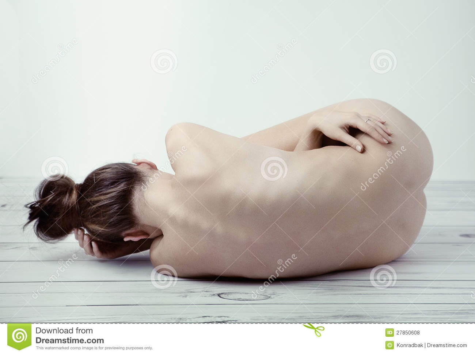 Atractive damy cierpienie w samotności